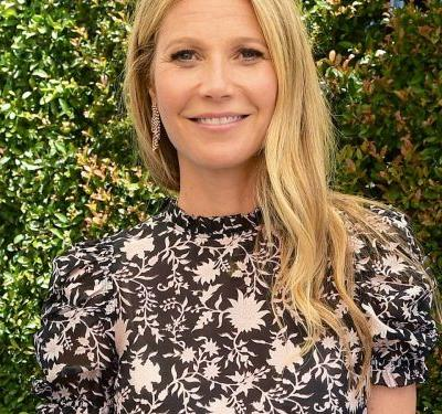 Gwyneth Paltrow Married Brad Falchuk In A Valentino Dress