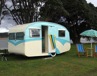 The Restoration of Daisy Mae: Excerpt from Vintage and Retro Caravans Downunder