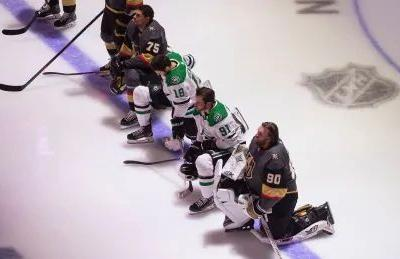 Stars, Golden Knights players kneel for anthems as protests gain momentum at NHL restart
