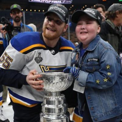 Laila Anderson, 11-year-old St. Louis Blues superfan, joins team in Stanley Cup celebration