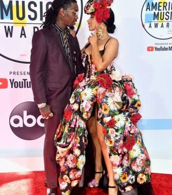 Cardi B & Offset's Body Language At The American Music Awards Is So Cute