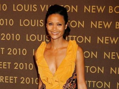 Great Outfits in Fashion History: Thandiwe Newton in Marc Jacobs for Louis Vuitton