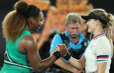 Power play: Williams blasts past Bouchard to reach Australian Open third round