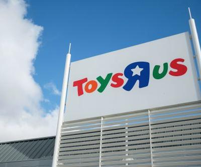 Toys 'R' Us plans a cautious comeback with 2 stores this fall