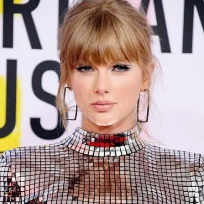This Is Autumn's Go-To Shade of Lipstick, According to the American Music Awards