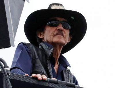 Richard Petty Says He'll Fire Anyone Who Protests During The National Anthem And In NASCAR He's Not Alone