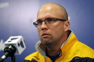 Blues fire coach Mike Yeo, name Craig Berube as interim