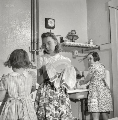 Wash and Dry: 1943