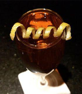 Cleopatra's champagne cocktail