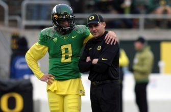 Oregon Ducks Fire Head Coach Mark Helfrich Following 4-8 Season
