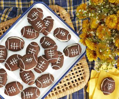 Serve these football-themed desserts at this year's Super Bowl party