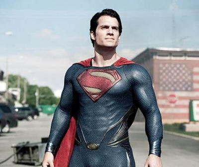 Henry Cavill In Negotiations To Return To Superman!