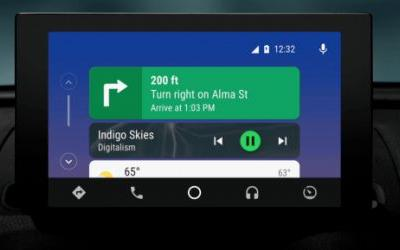 Google redesigns Android Auto with a new navigation bar, notification center, and dark theme