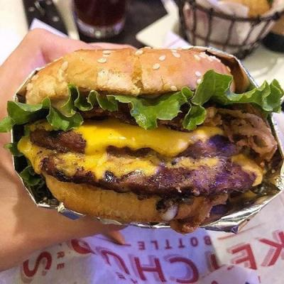 Here's Where To Get Free Cheeseburgers On National Cheeseburger Day For The Cheesiest Treat