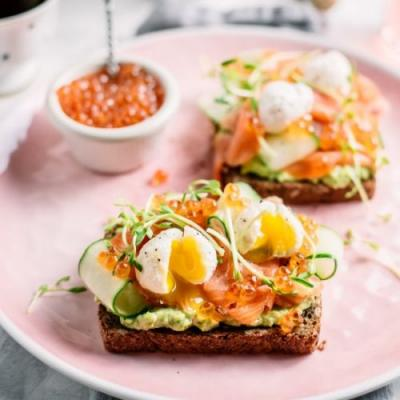 ULTIMATE SMOKED SALMON AND AVOCADO TOAST