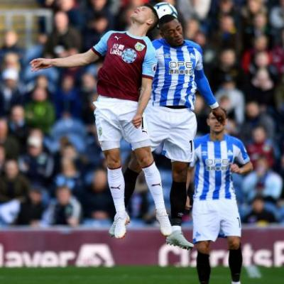 Huddersfield off bottom of EPL after drawing Burnley 1-1