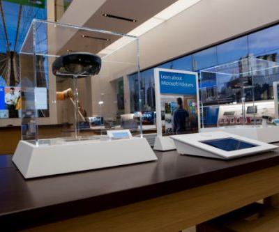Microsoft to open its first European retail outlet in London. next to Apple's flagship store