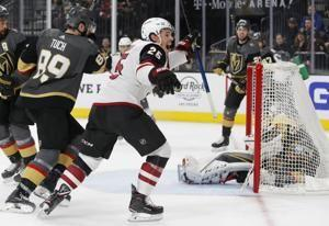 Arizona hands Vegas fourth straight home loss in 5-2 win