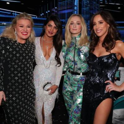 The Jonas Wives' Reactions To The Jonas Brothers' 2020 Grammys Performance Was So Cute