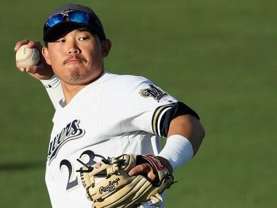 Brewers to call up top prospect Keston Hiura, report says