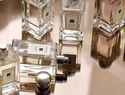 How to Layer Fragrances the Right Way