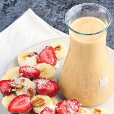 Peach-pineapple smoothie