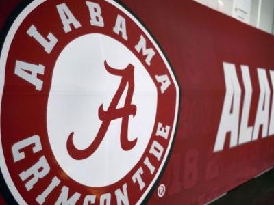 Alabama DL Ray charged with public intoxication
