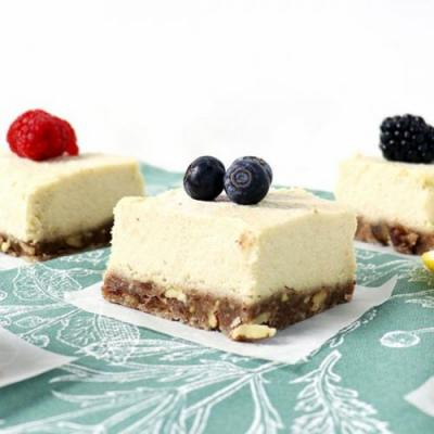 Lemon Vanilla Cheesecake Bars