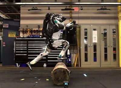New 'parkour' video shows Boston Dynamics robot training to overthrow humanity