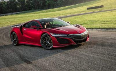 2017 Acura NSX in Depth: We Test, Measure, and Rate the Dual-Purpose Supercar