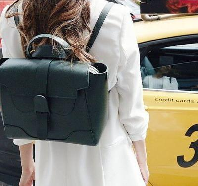 This Instagram-famous convertible backpack and shoulder bag is $900 - I thought the price was ridiculous until I actually used it