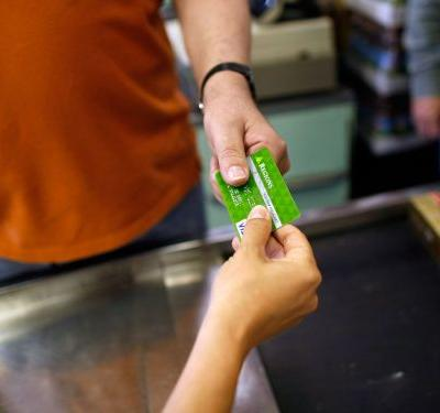 4 times you should never open a store credit card - and 3 times you should