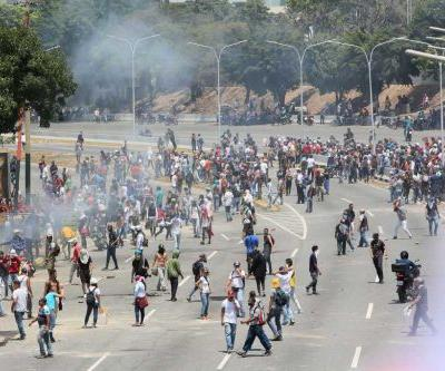 Clashes rock Venezuela as anti-government protesters continue uprising