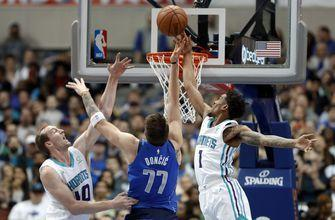 Mavericks top Hornets 99-93 as Dallas deals Barnes to Kings