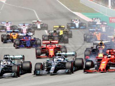 Lewis Hamilton Heads Mercedes Fifth 1-2 Victory In A Row At The Spanish Grand Prix