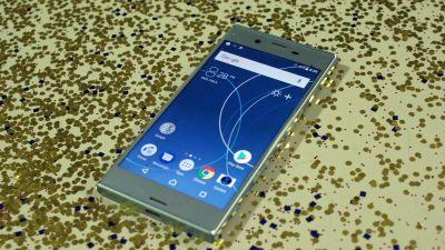 Sony Xperia XZs arrives with top-end camera, but last year's power