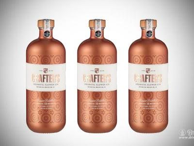 Crafter's Gin Turns Botanicals into Gold