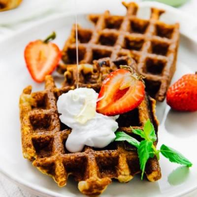 Low Carb Vegan Waffles