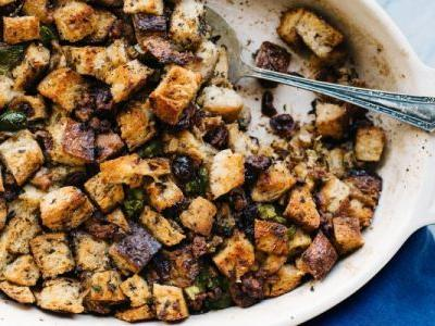 The 3 Tiny Tweaks I Use To Make Stuffing Way Healthier And Far More Delicious