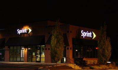 Sprint improves its unlimited data plan to play with the big boys