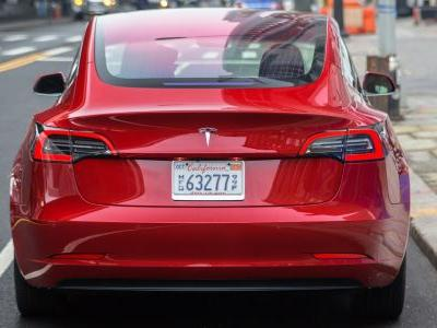 Tesla temporarily shuts down Model 3 assembly line