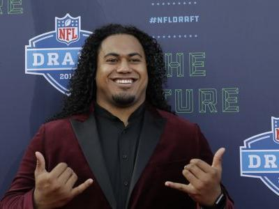 UW's Vita Vea selected by Tampa Bay with 12th overall pick in NFL draft