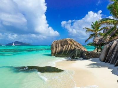 5 reasons to visit the stunning Seychelles