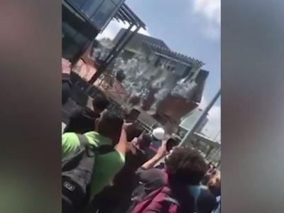 Shocking video shows Mexico City shopping mall collapse