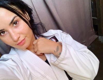 Don't Mess With Demi Lovato! She Literally Knocked Out Her Trainer's Tooth: 'Sorry !'