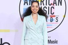 Ella Mai Talks Collaborating With John Legend & Touring With Bruno Mars at the 2018 AMAs: Watch