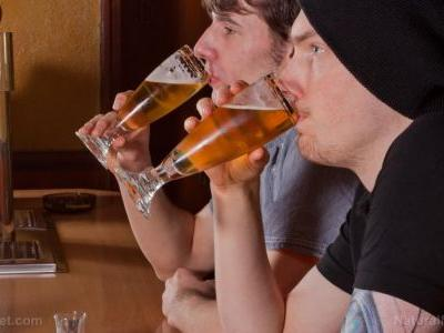 Drinking too much can cause cancer, damaging cellular DNA, study finds