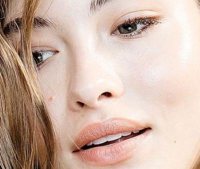 Experts Agree Niacinamide Is a Miracle Skin Care Vitamin-Here's Why