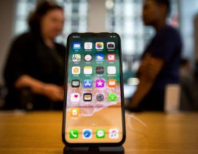 Apple admits touchscreen fault with iPhone X