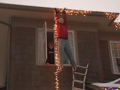 'National Lampoon's Christmas Vacation' decoration prompts 911 call